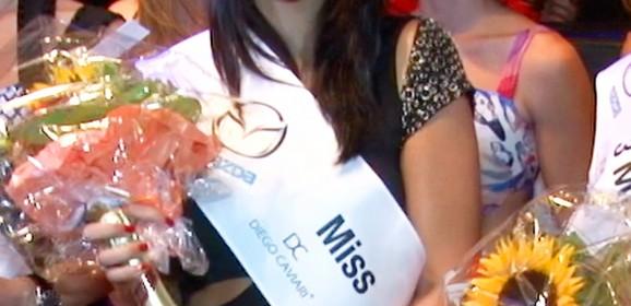 Miss Yokohama 2013 gibt Krone weiter