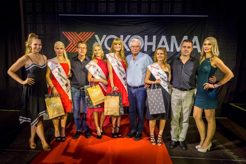 Die Juroren um Kerstin Cook (ganz links) mit den erfolgreichen Finalistinnen und der abtretenden Miss YOKOHAMA 2015/16 Roxane Baumann (ganz rechts).