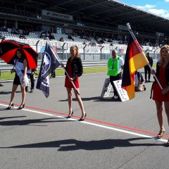 Als Grid Girl am Nürburgring unterwegs